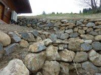 Blockmauern abgestuft